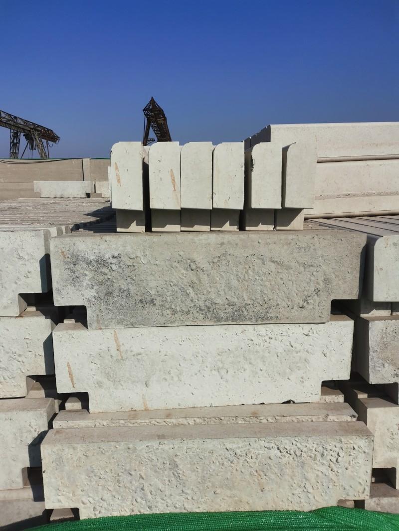 邢台沙河市水泥路沿石 混凝土路边石价格 冀磊石材